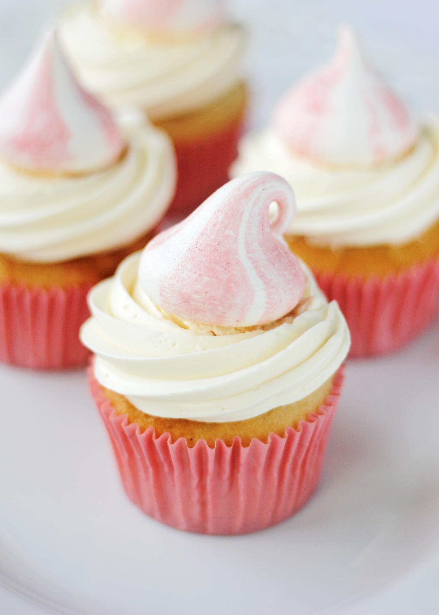 meringuepink cupcakes